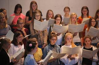 Foto: Die Jugendkantorei singt am Kirchenchor-Tag/Geraldo Hoffmann