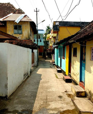 Kochi's crumbling alleyways and colourful streets are a joy to wander through. Dante Harker