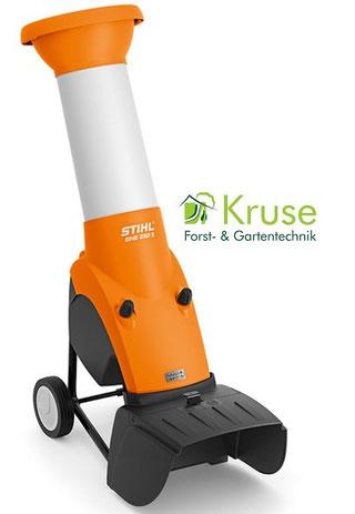 Kraftvoller Gartenhäcksler von Kruse Gartentechnik in Petershagen.