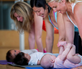 Rückbildungs-Kurs mit Baby, Lara Fäh