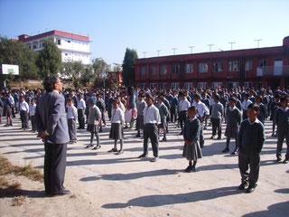 Mr Dorjee Namgyal lors du rassemblement  matinal