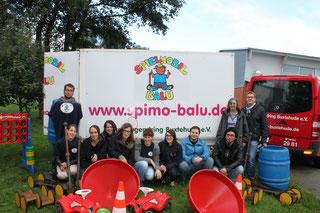 """""""Balu"""" ist der Name des Anhängers gefüllt mit Outdoor-Spielsachen - Foto: SJR"""