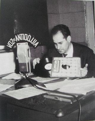 Hernán Restrepo Duque en La Voz de Antioquia.