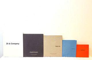 このアルバム表紙の色・文字はイメージです。