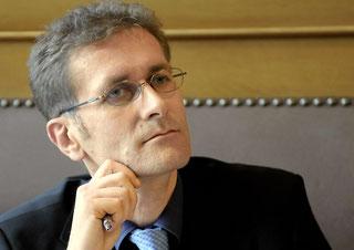 Justizdirektor Christoph Neuhaus setzt auf Freiwilligkeit.