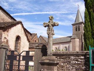 Croix de St Georges et les deux églises