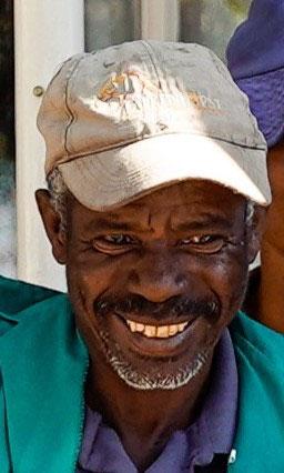Ich freue mich sehr Sie vielleicht sogar schon bald in Namibia auf Falkenhorst begrüssen zu dürfen, damit ich meine Naturkenntnisse auch mit Ihnen teilen kann.