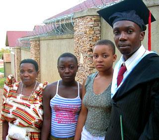 Paul met zijn trotse mamma en familie!