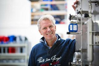 Andre van Roon - CEO/Managing Director Mechatest Sampling Solutions
