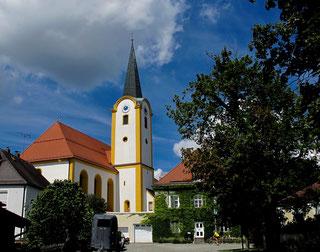 die schmucke Kirche St. Wolfgang von Wölsendorf