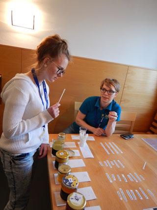 Station Honigsensorik: Chiara Ebner aus Kärnten