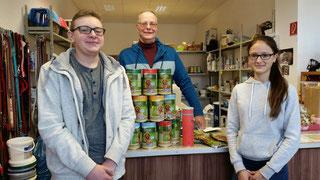 Spendenübergabe bei der Tiertafel RheinErft e.V. vom Hunde-Straßenfest in Frimmersdorf