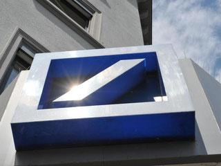 Den stärksten Gewinnanstieg vor Steuern verbuchte die Deutsche Bank (plus 114 Prozent). Foto: Patrick Seeger