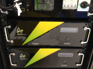 Lithium Akku Stromspeicher System mit Einschüben, somit modular erweiterbar