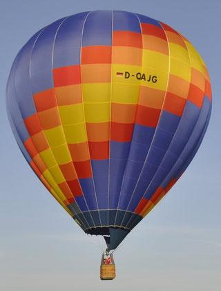 """Heißluftballon D-OAJG """"Äpfele"""" Schroeder fire balloons"""