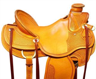 ... stile americano e tutta l attrezzatura necessaria per le gare di  specialità. Oltre a jeans 152a1c7e8617