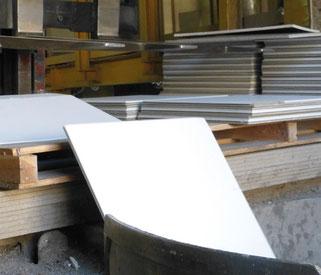 Die OWA-Deckplatten werden den Produktionsprozess wieder zugeführt.