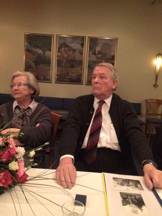 Für 50 Jahre  Mitgliedschaft in der FDP geehrt: Gerhard Massmann mit Gattin