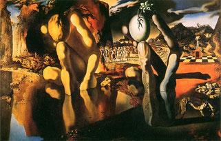 『ナルシスの変貌』では、作品の左側で湖を見つめるナルシスと、そのナルシスの右に同じような形態で三本の指に挟まれた卵が、偏執狂的批判的方法(ダブルイメージ)で描かれている。
