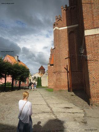 Gewaltige Bauwerke in Backsteingotik: Im ehemaligen Ostpreußen sind architektonische Perlen in höherer Taktung anzutreffen. Gemauerte Ornamente und Flächenstrukturierungen wurden - und werden - zumeist vorbildlich restauriert