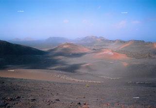 """Nationalpark Timanfaya, Lanzarote (29° 0′ 20.16″ N, 13° 45′ 10.8″ W."""