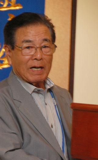 絞めの挨拶の横内昭次郎理事長