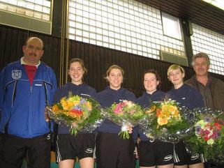 v.l.: Joachim Helfen, Anna-Lena Barbian, Katharina Palm, Kristina Schwarz, Lisa Weber und Ignat Mai