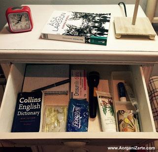 Mantén el cajón de tu mesita de noche siempre organizado y con lo mínimo necesario - AorganiZarte
