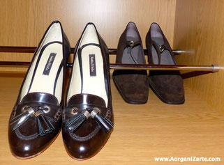 Coloca zapatos en barras para sijetarlos - www.AorganiZarte.com