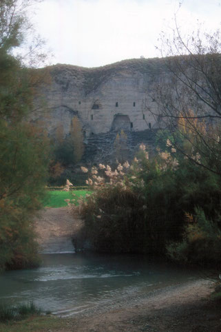 The historic caves of the Guardal river