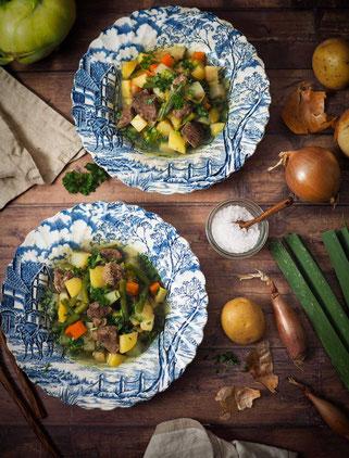 Rindfleisch-Bohnen-Eintopf mit Kartoffeln