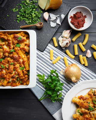 Rigatoni al forno mit Salsiccia & Scamorza