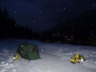 Übernachtung in den verschneiten Dolomiten