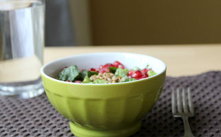 enjoy a simple homemade salad for lunch!  - homemade nutrition - www.homemadenutrition.com