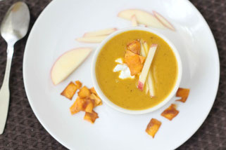 Vegan Sweet Potato Apple Curry Soup
