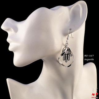 Boucles d'oreilles pendantes torsadées et mains de Fatma argentées