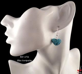 Boucles d'oreilles pendantes coeurs shamballa bleus turquoise