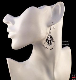 Boucles d'oreilles pendantes argentées torsadées et main de Fatma argentée