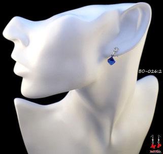 Boucles d'oreilles pendantes cubes rouges et strass