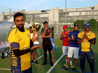 Aseem receiving the winners trophy (22.4.2018)