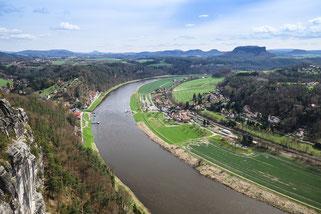 Elbe 2022 Elbkreuzfahrt Moldau Prag Magdeburg Dresden Hamburg Flusskreuzfahrt-Vergleich.de