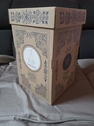 """Stapelturm von """"Wooden Story"""" als Geschenkidee für Kleinkinder."""