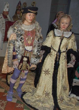 Fast noch ein Kind: die erst 14-jährige Anna de Bretagne und Karl VIII. als Wachsfiguren. Keines ihrer vier Kinder überlebte.