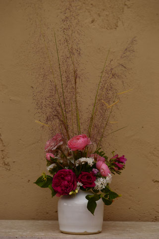 in a vase on monday, monday vase, rose, english rose, david austin, amy myers, photography, small sunny garden, desert garden, the alnwick rose, william shakespeare 2000, muhlenbergia, regal mist, muhly