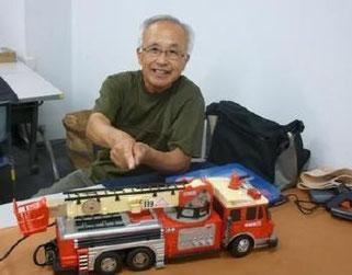 前回寄付していただいた消防車、修理してみました^^