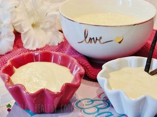 Selbstgemachter Vanillepudding in Schälchen