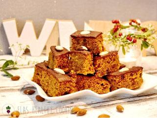 Kuerbislebkuchen mit Glasur und Winterdeko