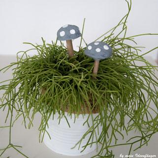 Herbstdeko: Pilze aus Walnüssen