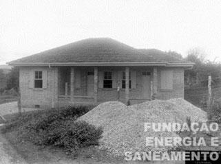 Residência de funcionário, construída em 1919, destinada ao chefe de operação, na ETT Pirituba