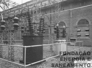 Novo transformador de 88 kv de potencia, à esquerda (1942)